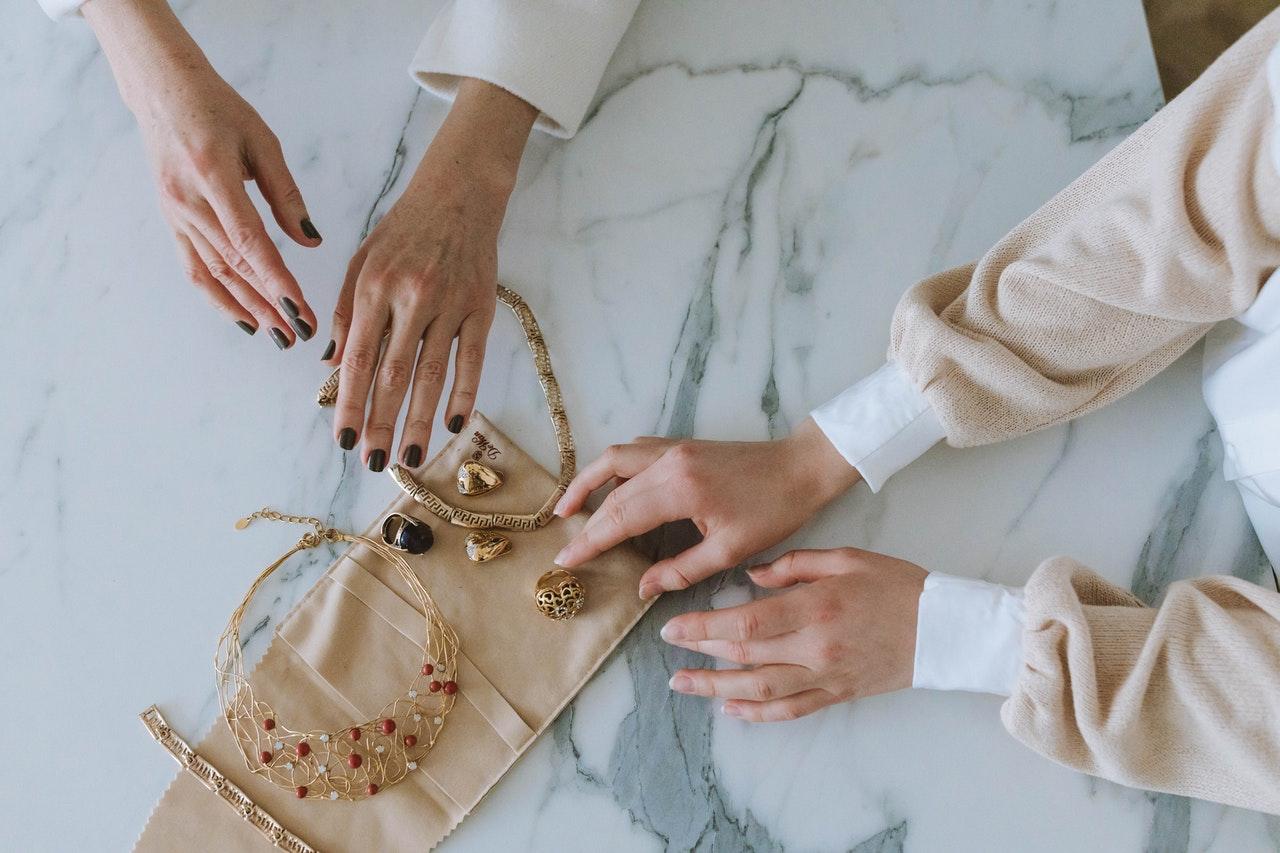 Qué debemos tener en cuenta a la hora de comprar en una joyería online